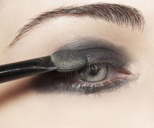 Что делать если вас беспокоит сухость глаз. Гипоаллергенный макияж