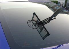 Зачем нужен клей для автомобильных стекол